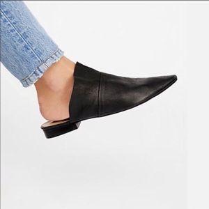 Free People slip-on flat black size 6